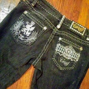 Coogi. Ladies Blue Jeans 1/2   * 98 1/2% Cotton ,